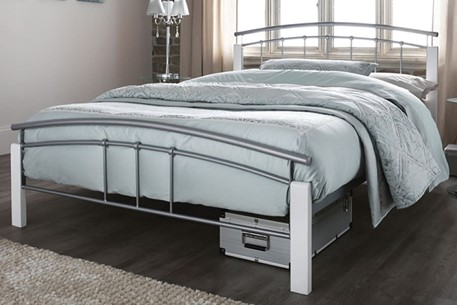 Silver Metal Amp White Wood Posts Small Double Metal Bed