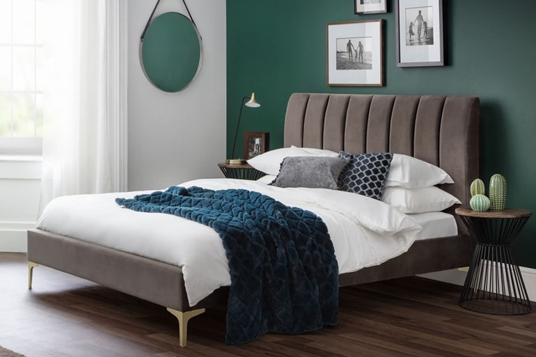 Deco Scalloped Velvet Bed